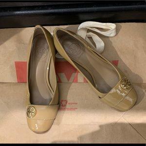 Tory Burch beige classic heels